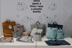 Torby, organizery, worki i plecaki Done by Deer wyprodukowane z butelek