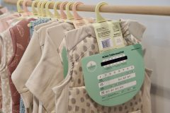 Ergo Puch - na każdym produkcie kartonowa metka z termometrem  i podpowiedź ile warstw założyć do spania
