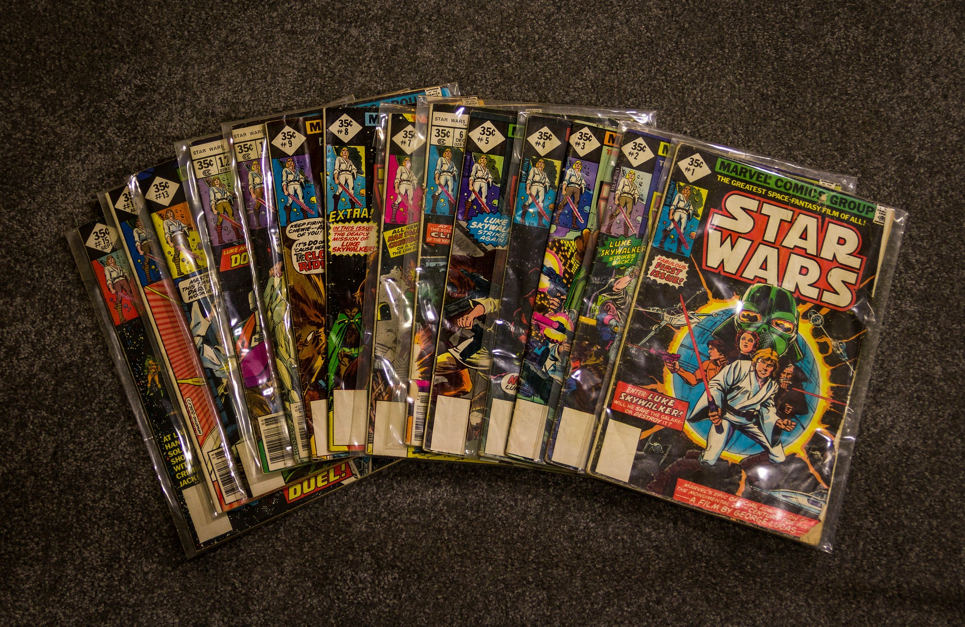 comic-books-382534_1920