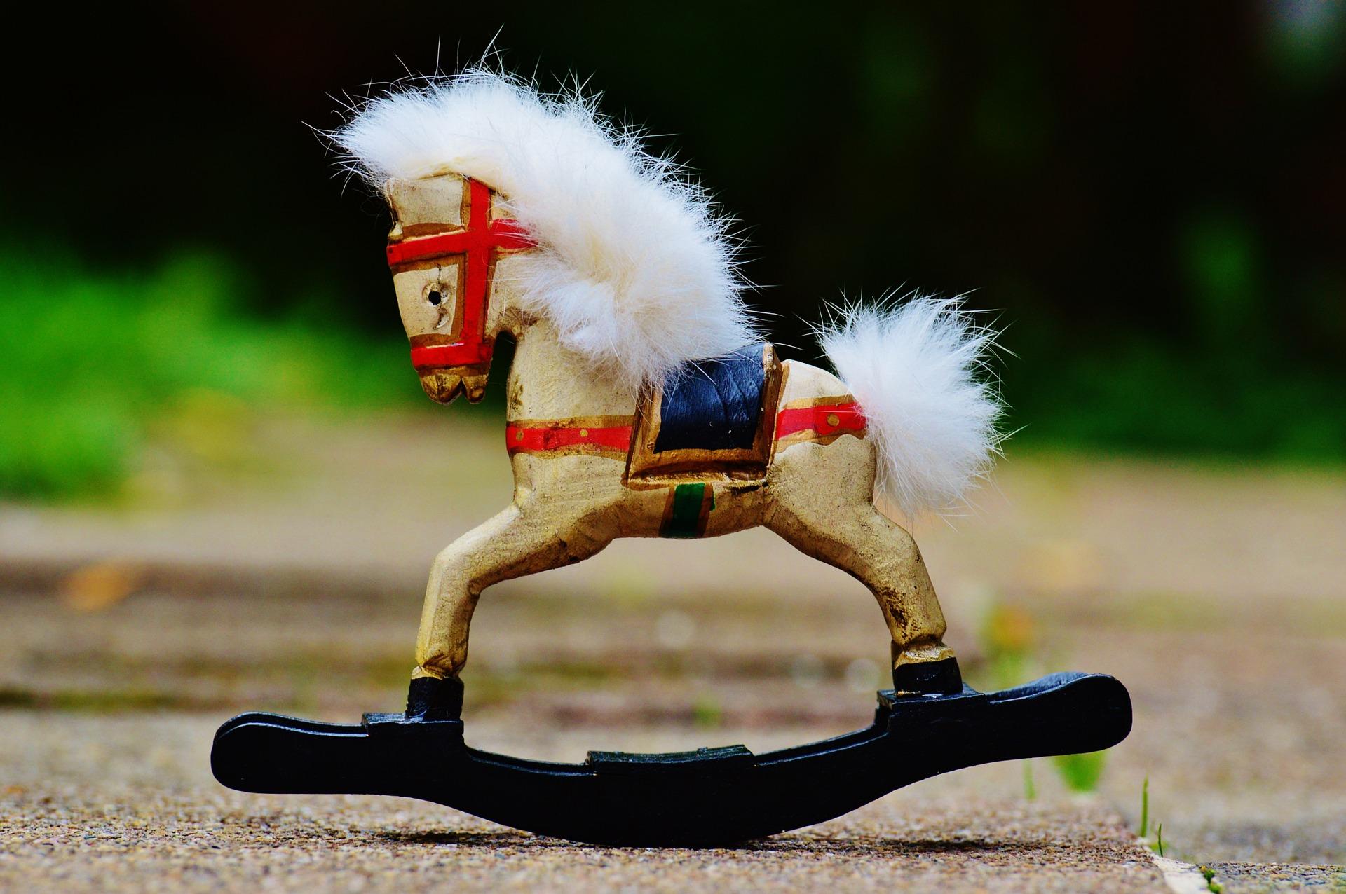 rocking-horse-982789_1920