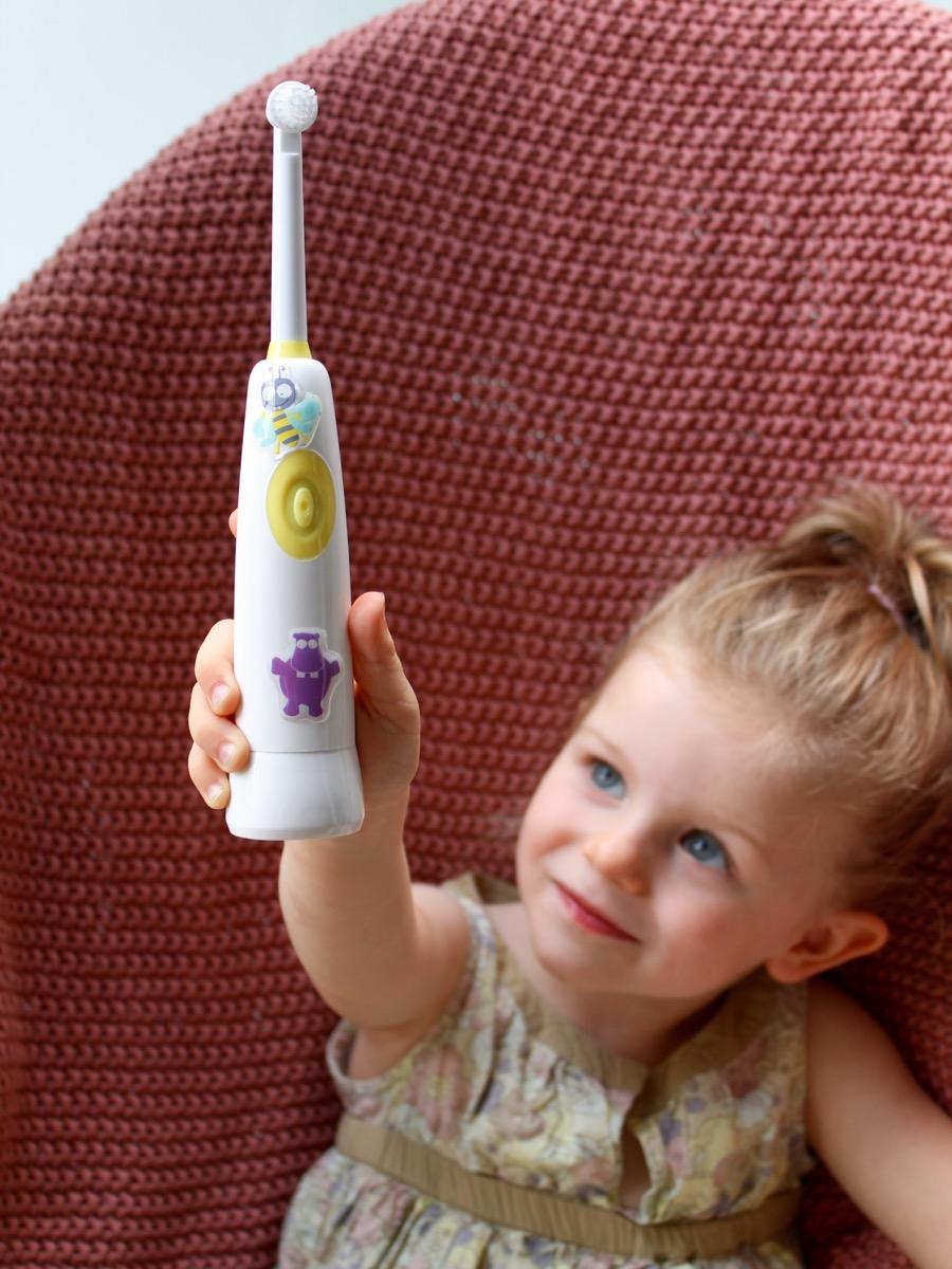jak zachęcić dziecko do mycia zębów buzzy brush jack n'jill