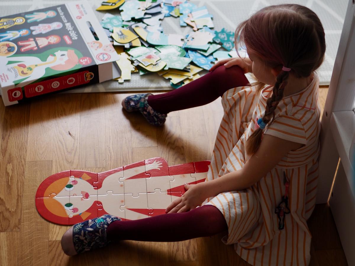 dziecko boi się lekarza dentysty zabawki czuczu puzzle