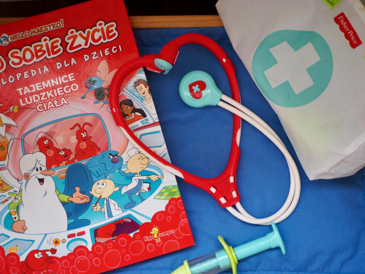 dziecko boi się lekarza dentysty zabawki zestaw lekarz fisher price