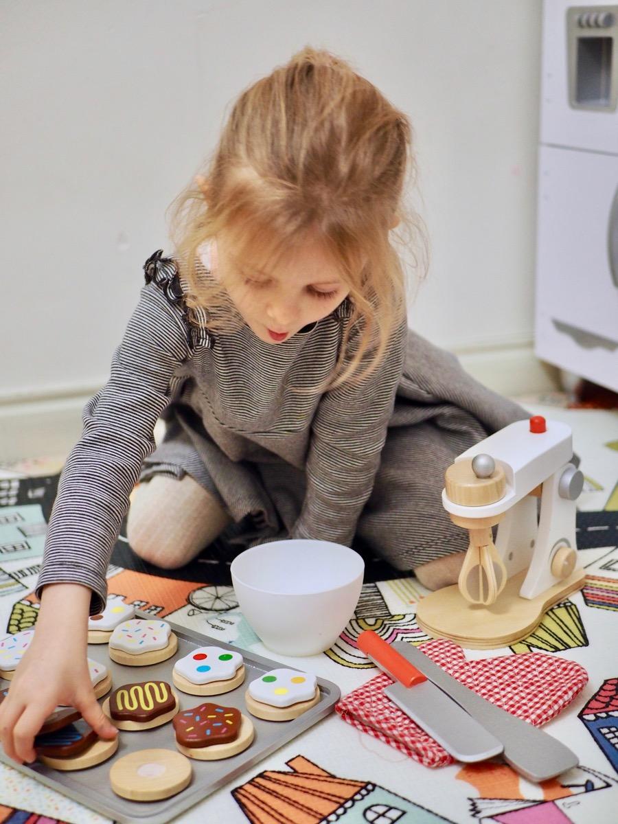 drewniane zabawki joueco mikser kuchnia