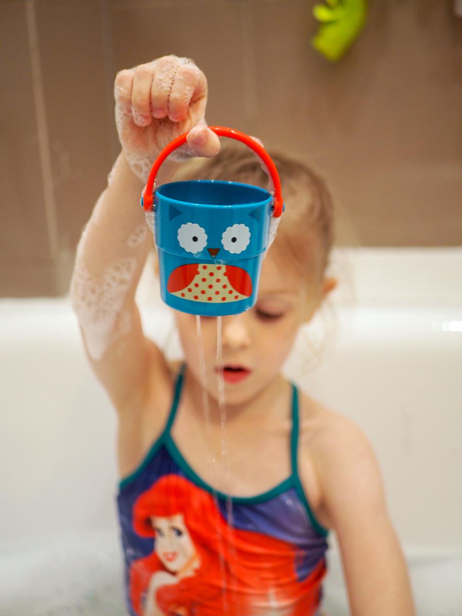 zabawki do kąpieli przegląd skip hop kubek