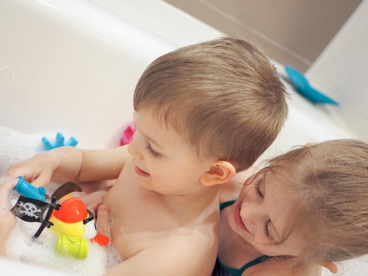 zabawki do kąpieli przegląd skip hop boon yookidoo