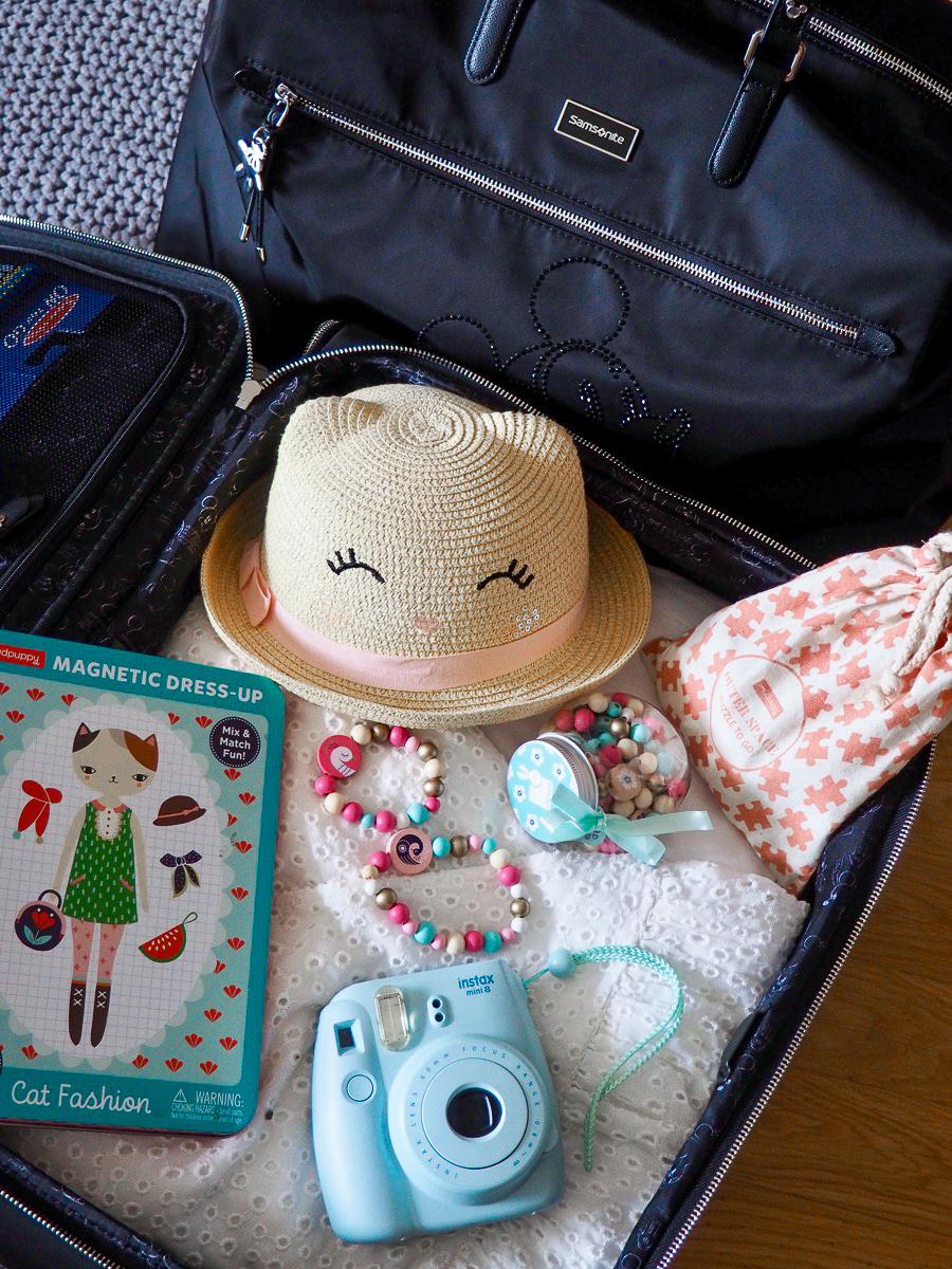 podróż z dzieckiem samolotem jaki wózek do samolotu